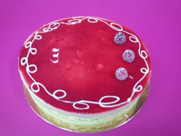 gâteau praliné framboise de la boulangerie patisserie bordet arlanc